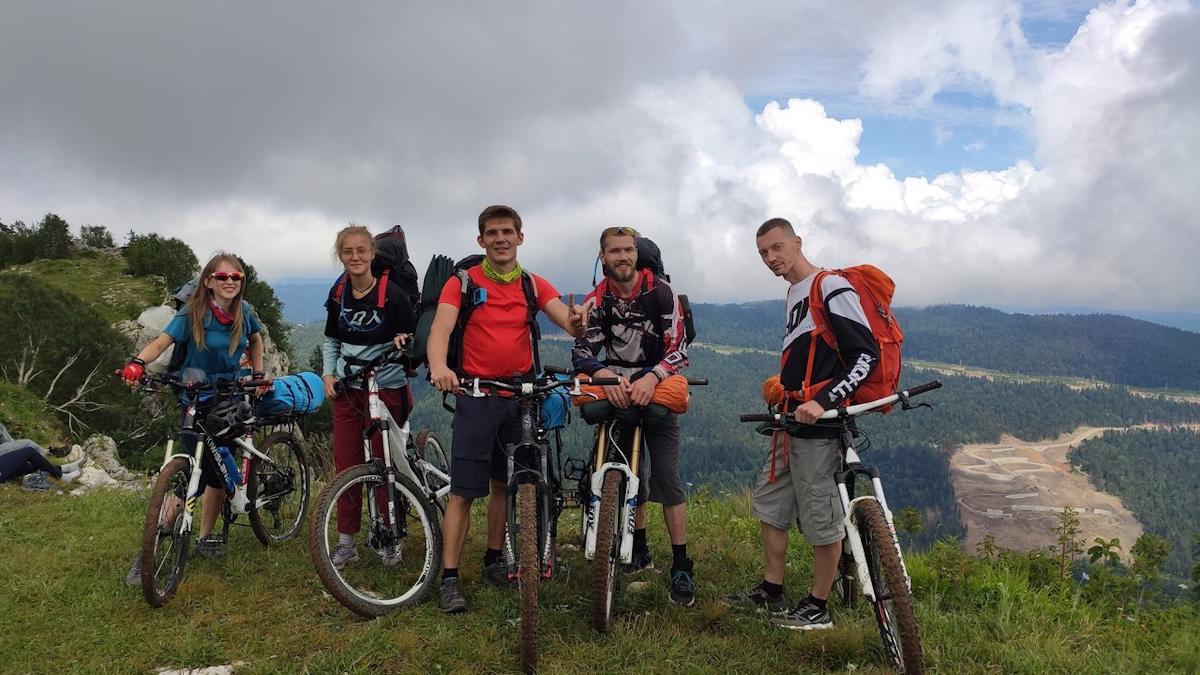 Путешественники из Череповца преодолели около 200 километров по кавказским просторам на велосипедах