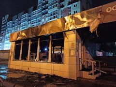Павильон сгорел на автобусной остановке в Вологде