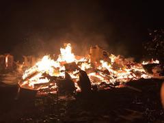 Из-за неисправной проводки сгорели два дома в Шекснинском районе, один человек госпитализирован