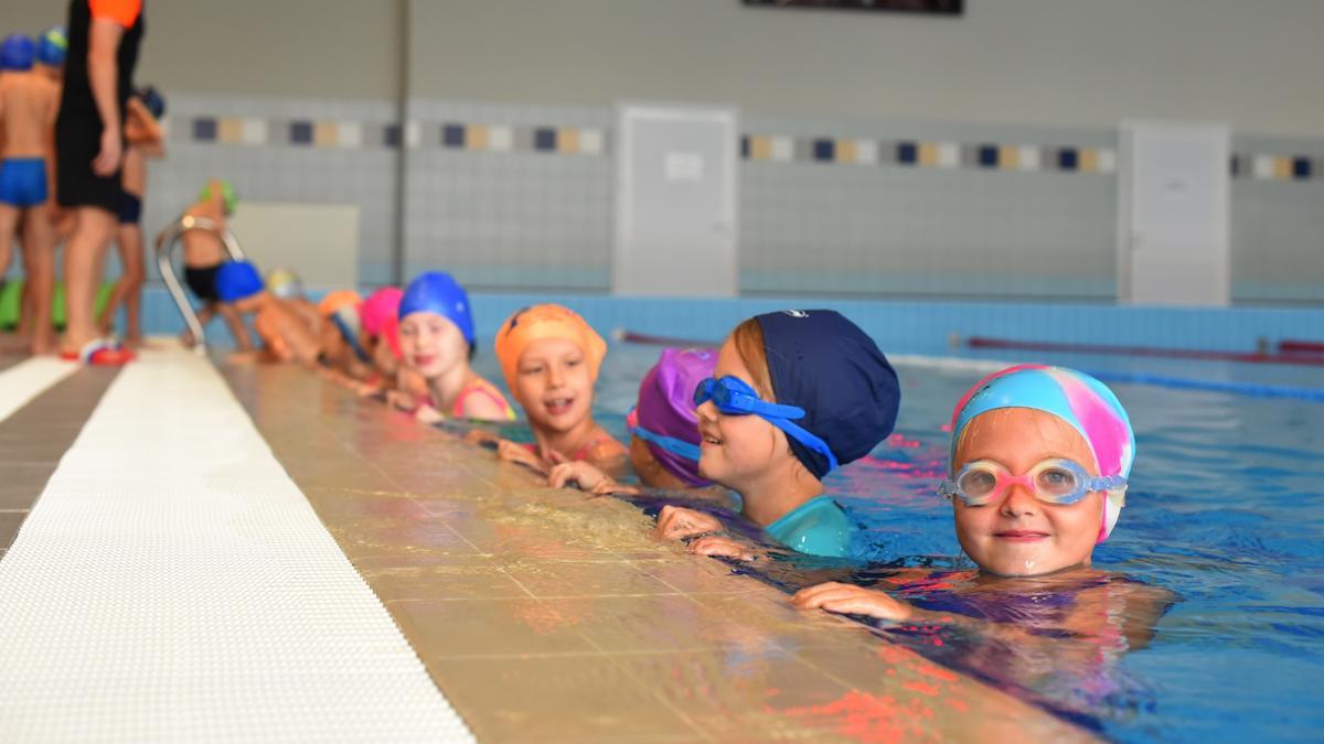 В Вологде стартовали бесплатные занятия по плаванию для учеников 2-х классов