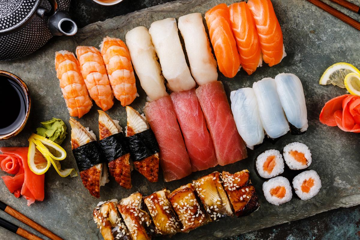 Регулярно употребляя качественные суши, приготовленные из свежих продуктов, можно существенно улучшить свое самочувствие