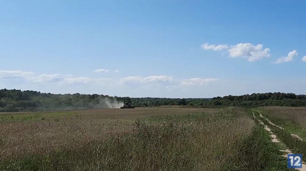 В хозяйствах ждут хорошей погоды, чтобы трактора могли зайти на поля