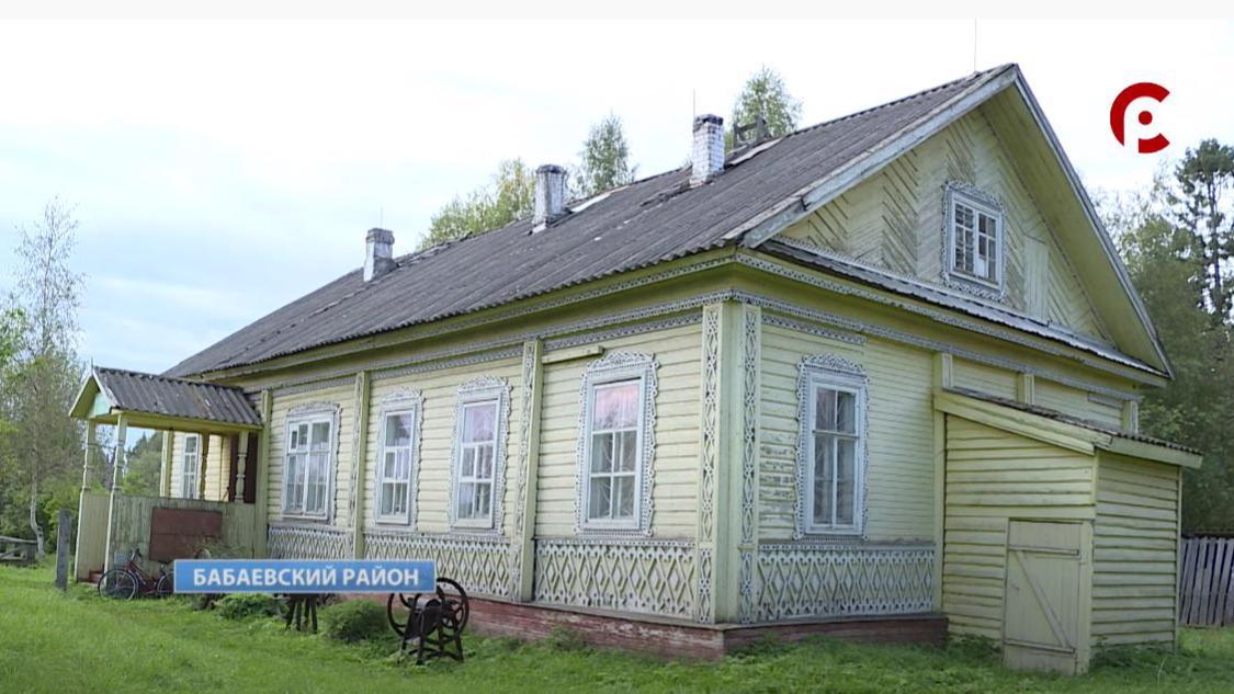 Большую коллекцию старинных предметов собрал житель Бабаева в усадьбе Полянских