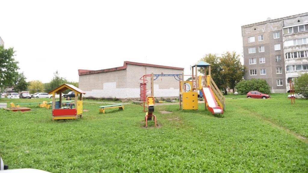 Три способа установки детской площадки во дворе