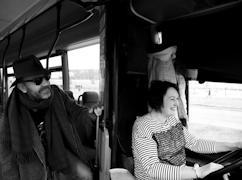 Сергея Шнурова в 2017 году по его личной просьбе Елена Назимова возила по Череповцу на автобусе