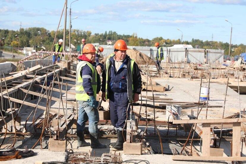 Завершить строительство переправы необходимо в следующем году в середине августа