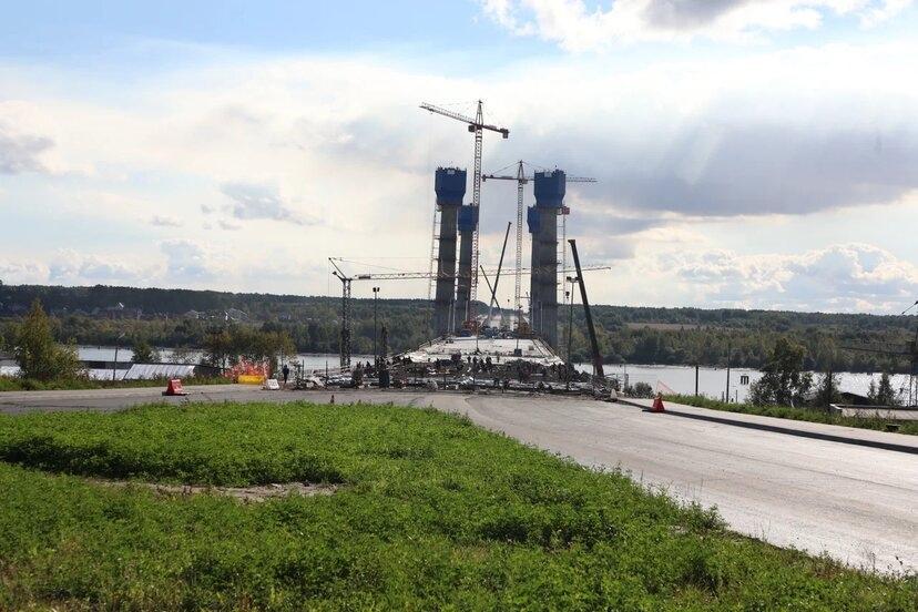 На площадке организуют фотозону, с которой будет открываться вид на Архангельский мост