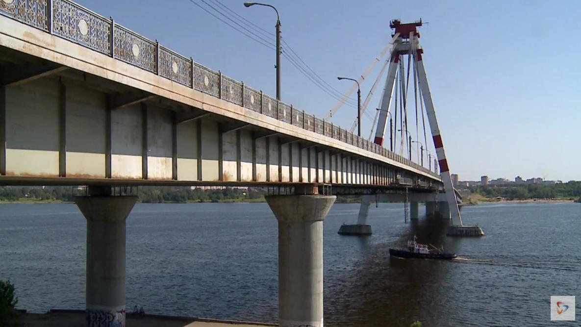 Движение ограничат на Октябрьском мосту в Череповце