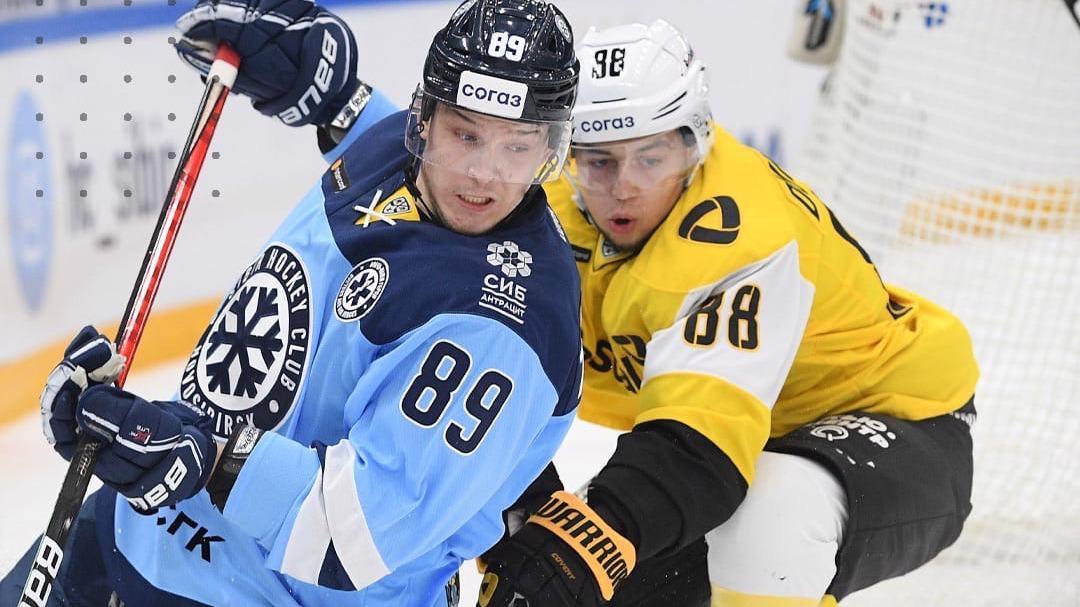 """Хоккейная """"Северсталь"""" сыграет сегодня в Новосибирске"""