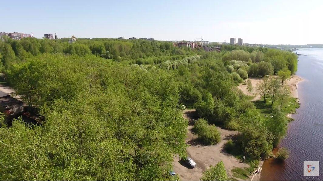 Активисты организовали субботник на территории дикого пляжа в районе улицы Архангельской