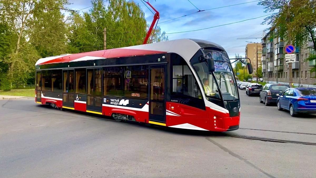 Первые «Львята» утром вышли на маршрут № 4 в Череповце