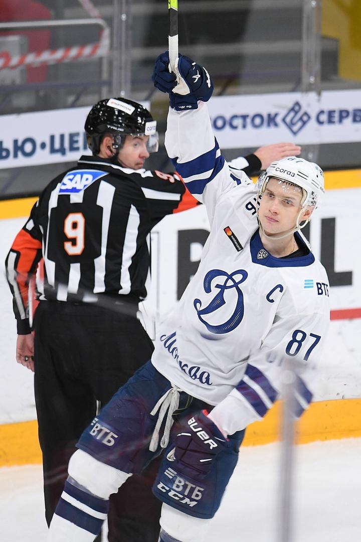 Вадим Шипачёв побил рекорд КХЛ по голевым передачам