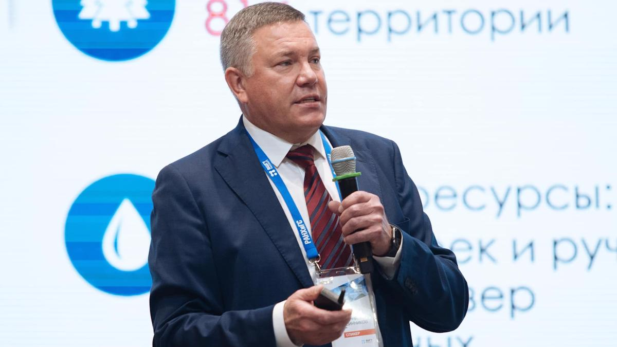 Олег Кувшинников поделился опытом губернаторства с «лидерами России»