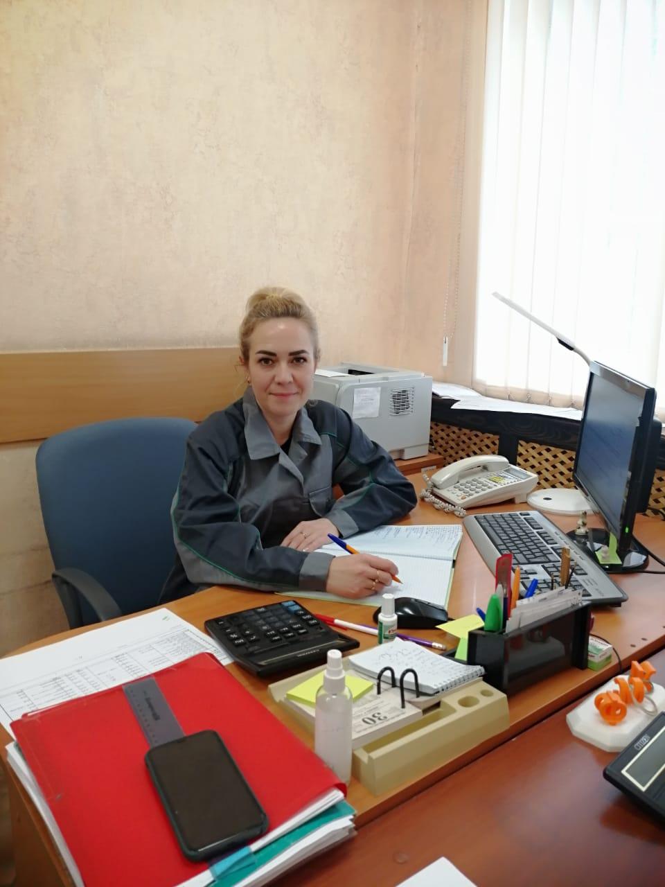 Виктория Смирнова на комбинат устроилась по рекомендации мамы.