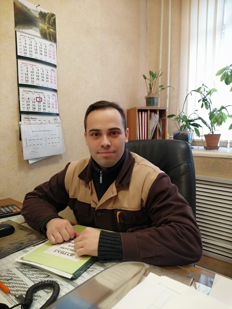 Сергей Сенягин - представитель молодого звена трудовой династии.