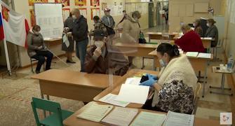Избирательные участки работают с 8 утра до 8 вечера