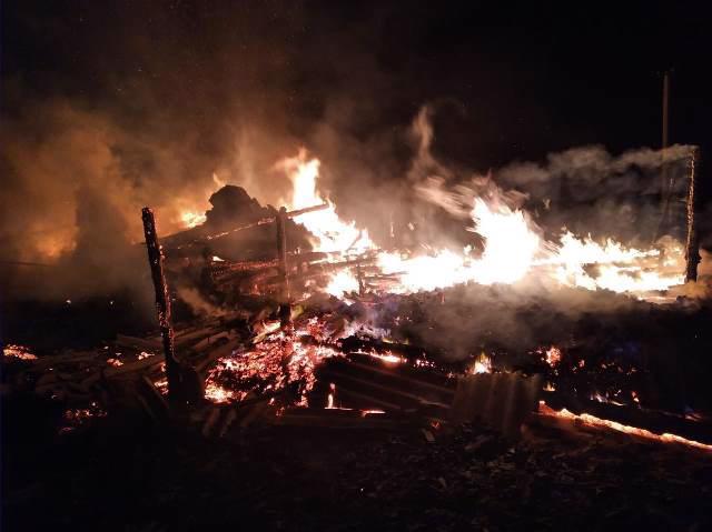Мужчина сгорел во время пожара в своем доме