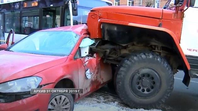 Водителя пожарной машины признали виновным в смертельном ДТП в Череповце