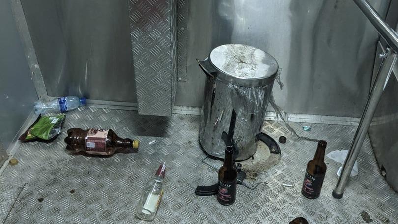 Антивандальный туалет разгромили хулиганы в Череповце