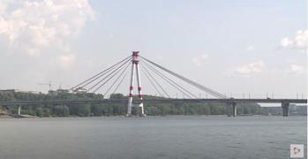 Обращений отом, что кто-то спрыгнул сОктябрьского моста вспецслужбы города непоступало