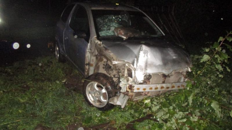 В Череповце пьяный сотрудник автосервиса угнал машину клиента и разбил ее