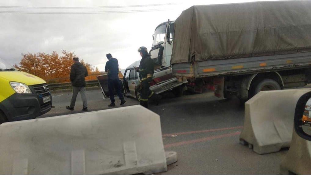 В аварии в Череповце сильно пострадал водитель