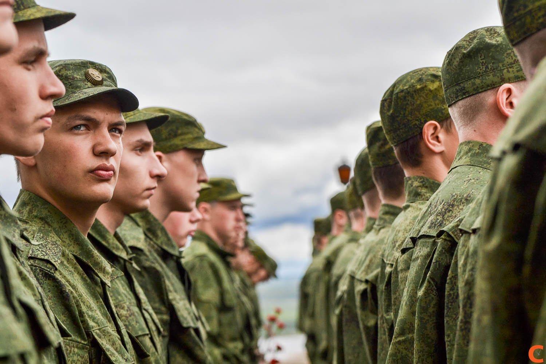 Традиционно 10 новобранцев будут служить в президентском полку