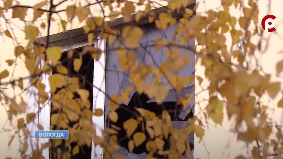 Жильцы горевшего в Вологде дома рассказали, как спасались минувшей роковой ночью