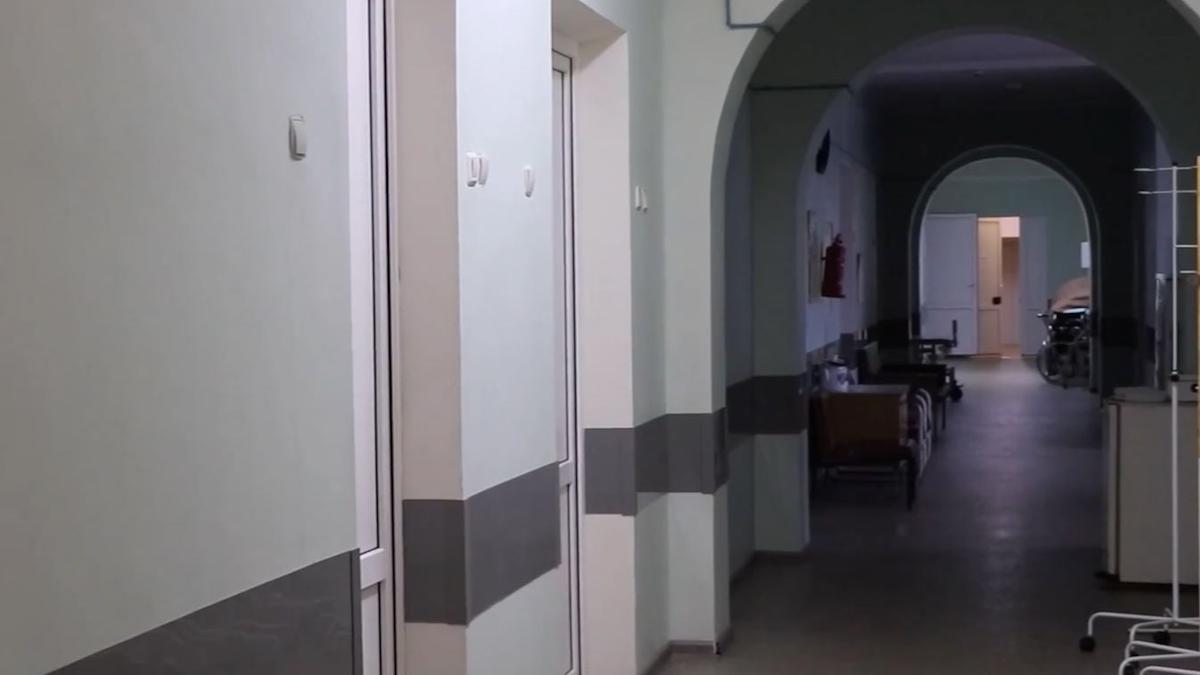 Помещения хирургического отделения на базе ЦРБ в Соколе начали готовить к приёму ковидных пациентов