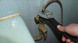 Можноли доверить ремонт сантехники «мастеру начас»?