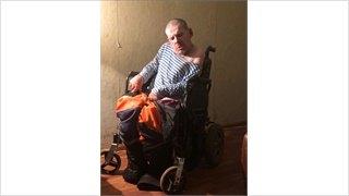 Горожане спасают инвалида, который отказывается отгосподдержки
