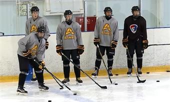 Молодежная хоккейная команда «Алмаз» провела открытую тренировку перед чемпионатом МХЛ