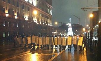 Винтернете обсуждают задержание Навального намитинге поитогам выборов
