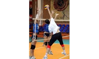 Волейболистки «Северстали» побеждают вБолгарии