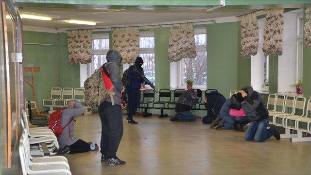 Террористы подорвали автобус изахватили заложников вспортзале: учения ФСБ прошли вВологде