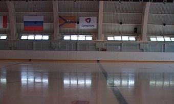 Череповецкие хоккеисты остались без льда