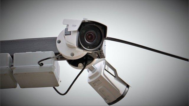 Нанерегулируемом перекрестке вВологде уДраматического театра установили видеокамеру