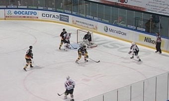 Хоккейная «Северсталь» победила побуллитам омский «Авангард»