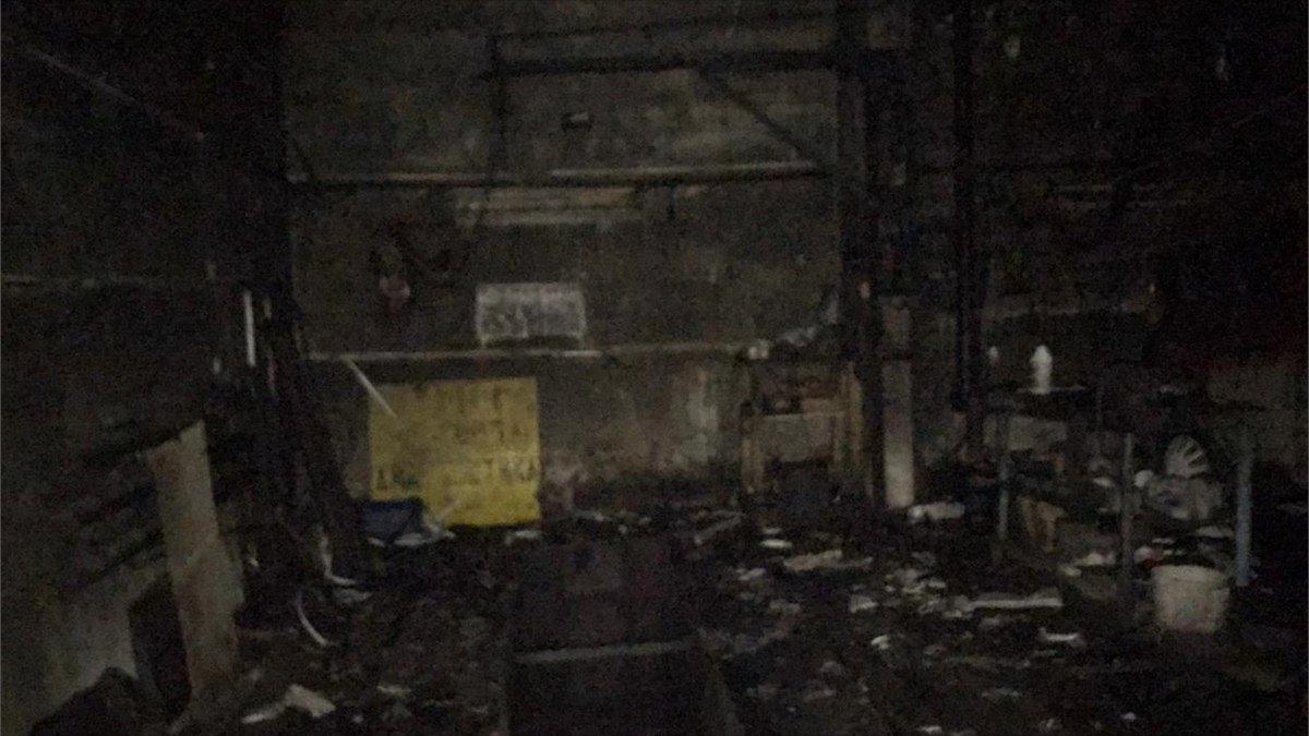 Мужчина отравился угарным газом при пожаре вгаражах вВологде