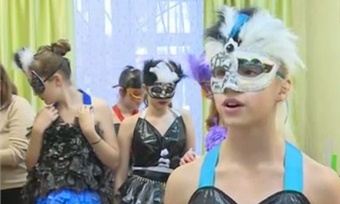 Вологодские красавицы надели мешки для мусора ипобедили встоличном конкурсе талантов