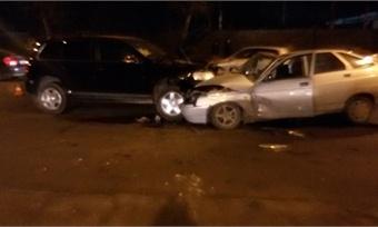 Два автомобиля столкнулись вЧереповце. Есть пострадавшие