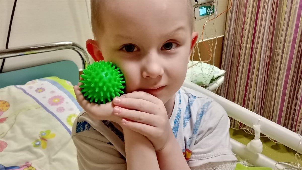 Больной ребенок получил лекарство