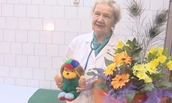 Детская областная больница получает подарки иготовится кновоселью