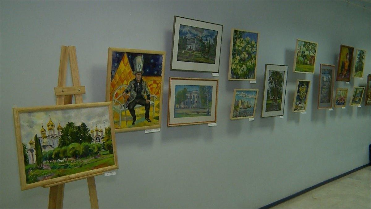 Летними запахами ияркими красками пропитано выставочное пространство Верещагинской библиотеки
