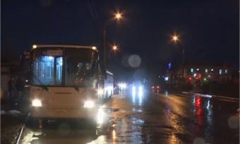 Десятилетнего мальчика, перепутавшего автобусы, женщина-водитель высадила прямо наоживленной трассе