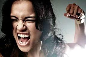 Зимой многие женщины станут агрессивнее, считают ученые