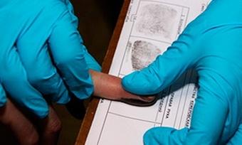 Следственный комитет России предложил взять отпечатки пальцев увсех россиян