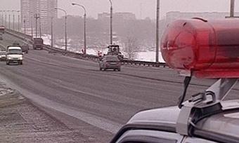 Таксист пытался дать взятку сотруднику ДПС вВологде