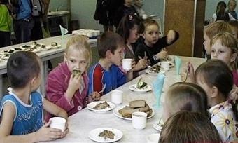 Как будут кормить школьников, решено