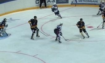 Хоккеисты «Алмаза» провели свой первый матч вчемпионате МХЛ
